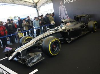 F1_02.jpg